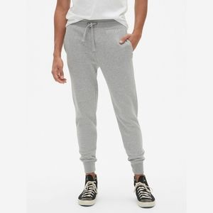 Gap Stencil Sweatpants Joggers Grey Mens Small